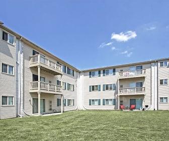 Building, Glengarry Park Apartments