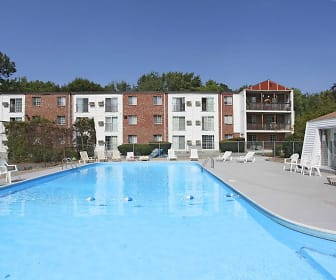 Pool, Mansion House Apartments Cranston