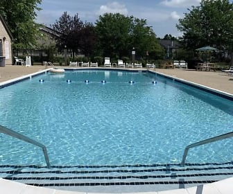 10503 Trotters Pointe, Unit 201, Scottsburg, IN