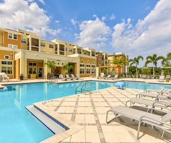 Pool, Lola Apartments