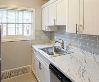 Eagle Rock Apartments At Mineola, East Hills, NY