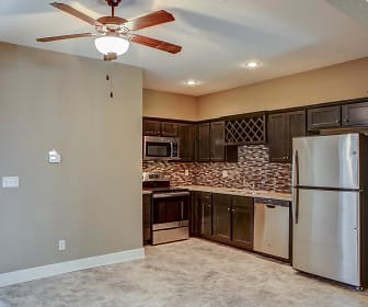 Eagle Creek Townhomes, Pleasant Hill, MO