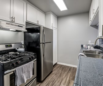Kitchen, Kendallwood Apartments