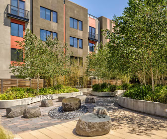 Courtyard, Misora at Santana Row