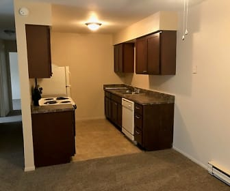 Ravenswood Apartments, 43623, OH