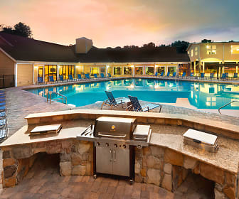 The Crossing at Santa Fe - Per Bed Lease, Gainesville, FL