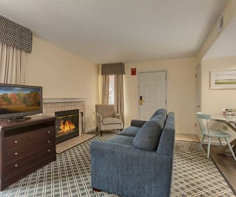 Studio King w/fireplace, Residences at Daniel Webster