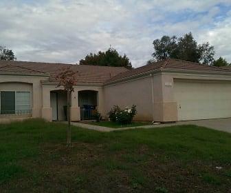 2402 E Goshen Ave, Fresno, CA