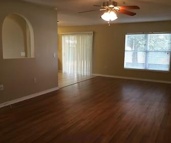 Living Room, 930 Mayfair Street