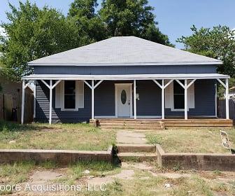 519 E Morton, Denison, TX