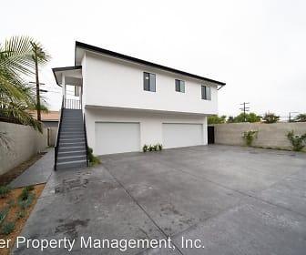 Building, 581 E Hillsdale St