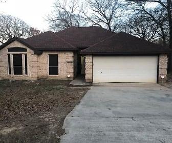 604 Inwood Rd, Pelican Bay, TX