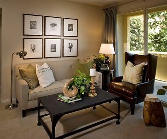 Living Room, Esperanza