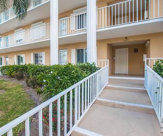 3001 Sandpiper Bay Cir, Naples, FL