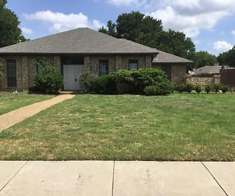 1801 S Crest Drive, Trinity Mills, Carrollton, TX