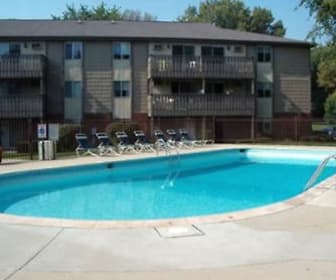 Pool, Turtle Creek Apartments