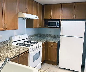 Kitchen, 580 W Main St