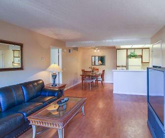 Living Room, Smoketree Polo Club Apartments