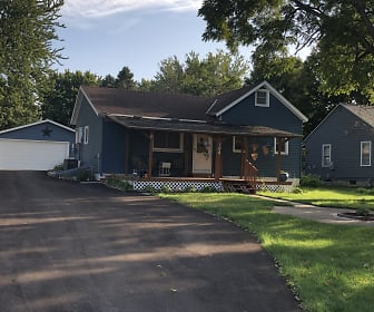 104 5th St SW, Kasson, MN