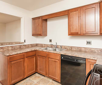 Kitchen, CenterPointe Apartments & Townhomes