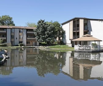 Lake, Stonehedge Apartments