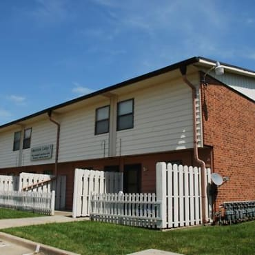 440 E Santa Fe Dr Apartments - Lansing, KS 66043