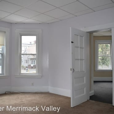 Fabulous 3 Bedroom Apartments For Rent In Lawrence Ma 26 Rentals Download Free Architecture Designs Scobabritishbridgeorg
