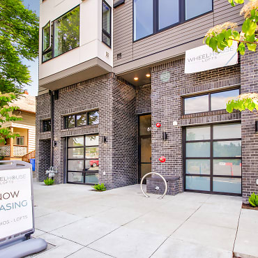 Wheel House Lofts Apartments - Portland, OR 97202