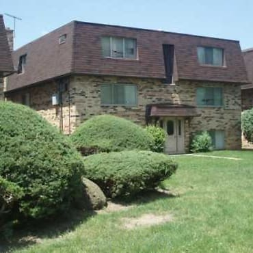 Crestwood Condominiums Apartments Des Plaines Il 60016