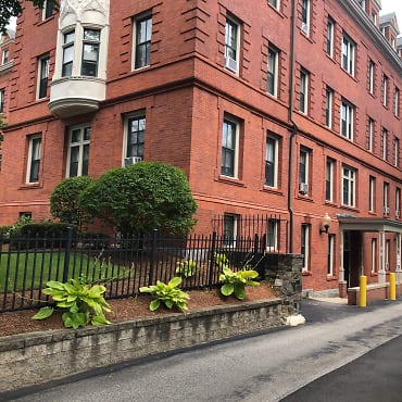 The Governor Apartments - Providence, RI 02906