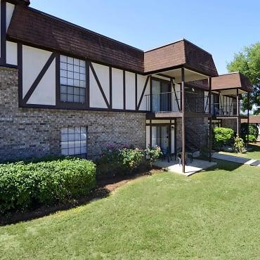 Camelot Apartments - Dothan, AL 36303