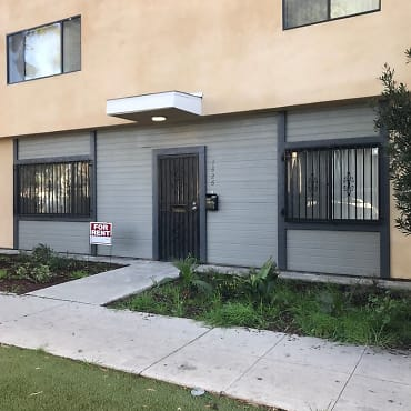 Astounding Apartments For Rent In 90810 Long Beach Ca 1423 Rentals Download Free Architecture Designs Jebrpmadebymaigaardcom
