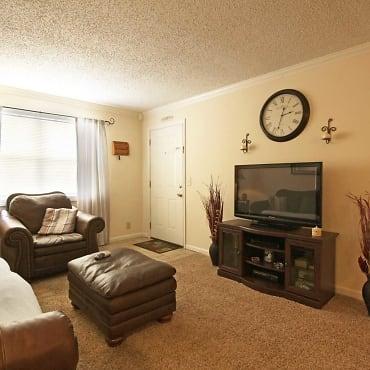 . Regency Square Apartments   Clarksville  TN 37043