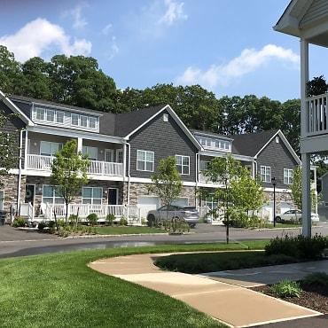 Fairfield Townhouses At Selden Apartments - Selden, NY 11784