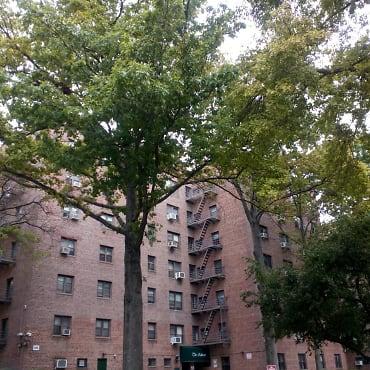 Hilltop Village Coop Apartments Queens Village Ny 11427