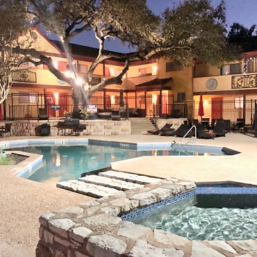 The Arts Apartments at South Austin - Austin, TX 78745