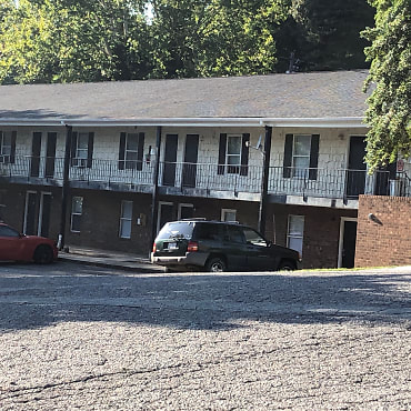 The Oaks At Pine Valley Apartments - Yadkinville, NC 27055