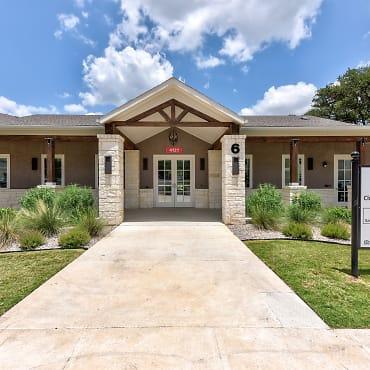 Live Oak Apartment Homes