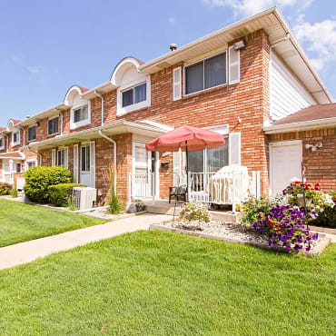Sterling Commons Townhouse Apartments - Sterling Heights ...