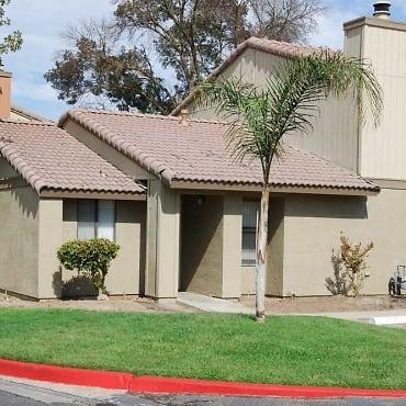 River Oaks Apartments - Hanford, CA 93230