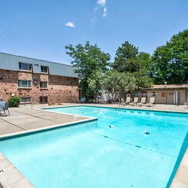 Cherry Plaza Apartments Denver Co 80222