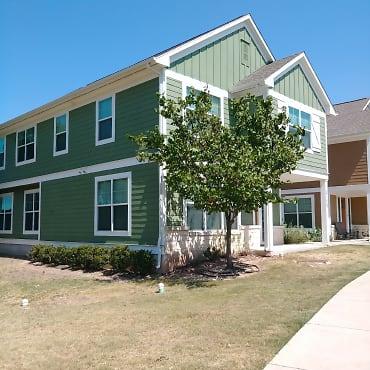 Hillside Ranch Apartments - San Marcos, TX 78666