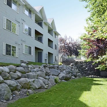 Pine Bluff Apartments - Spokane Valley, WA 99206