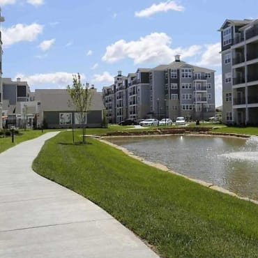 Village West Luxury Apartments Kansas City Ks 66109