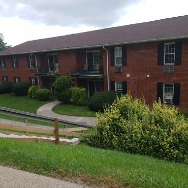 Oak Hollow Apartments - Bethlehem, PA 18018