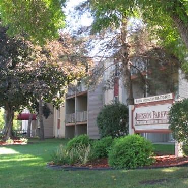 Johnson Parkway Apartments - Saint Paul, MN 55106