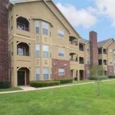 Oxford At Iron Horse Apartments North Richland Hills Tx 76180