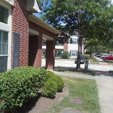 Montgomery Pines Apartments - Porter, TX 77365