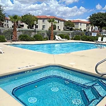Quail ridge apartments las cruces nm 88011 for Public swimming pools in las cruces nm
