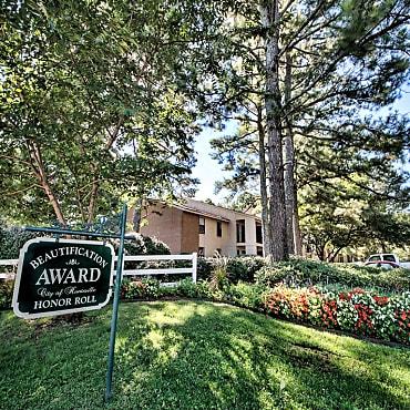 Royal Pines Apartments Huntsville Al 35806